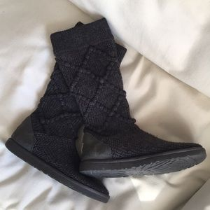 💜🤩💜 Cozy UGG Cardi Boots 💜🤩💜